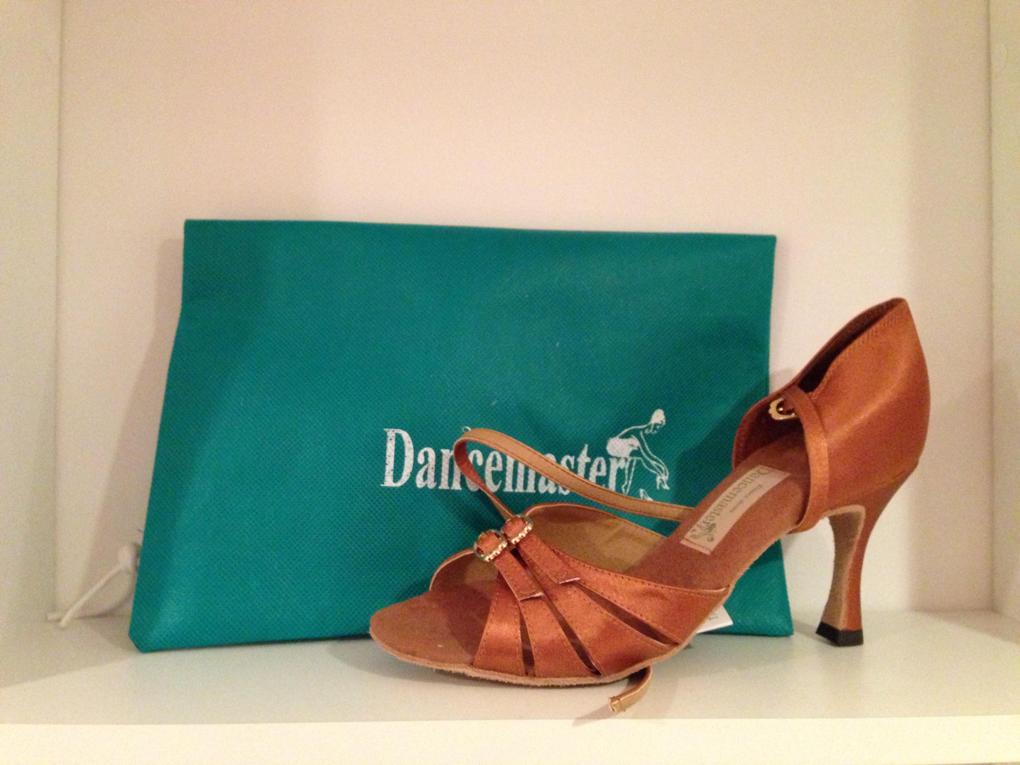 Танцевальная обувь Dancemaster