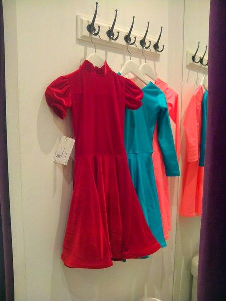 Рейтинговые платья с гипюром