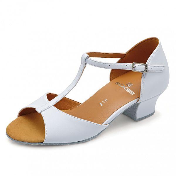 Танцевальная обувь для девочек
