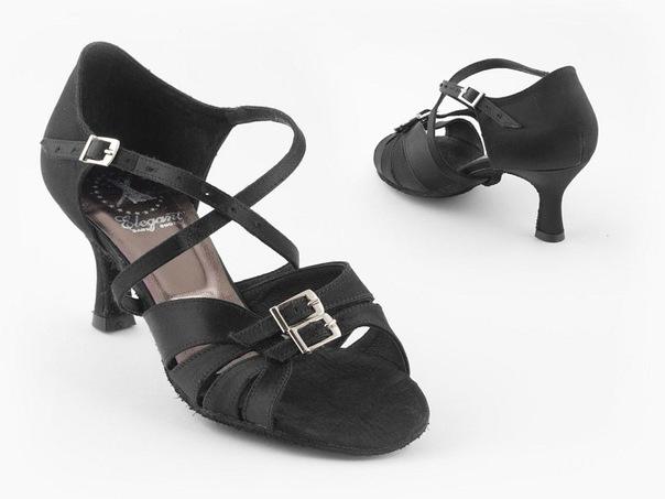 """Танцевальная обувь компании """"Elegant"""""""