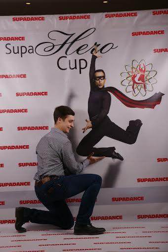 Друзья, вернемся ненадолго к событиям минувшей зимы и восстановим то неповторимое ощущение праздника, которое нам подарил яркий танцевальный турнир по бальным танцам – «Кубок Супергероя 2014».