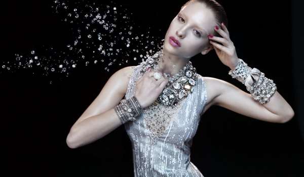 German-Vogue-Swarovski-Elements1